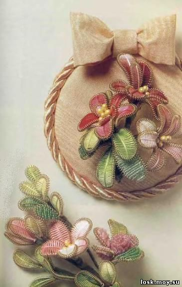 """Иллюстрация 10 к книге  """"Фантазийные цветы: из бисера и ниток мулине """", фотография, изображение, картинка."""